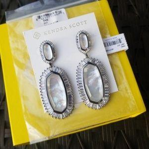 Kendra Scott Kaki Mother of Pearl earrings